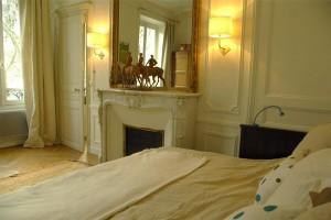 6142-a-louer-a-lannee-pour-4-grand-f3-meuble-avec-terrasse-avenue-de-breteuil-paris-7eme