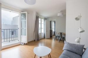 15959-location-saisonniere-2-pieces-paris-7e-avec-balcon