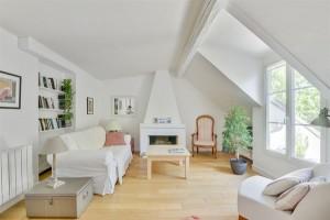 16082-location-meublee-mensuelle-dun-f2-confortable-pour-2-avec-balcon-a-nation-paris-12eme