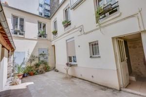 Duplex situé en fond de cour, rue des Entrepreneurs, 75015 Paris