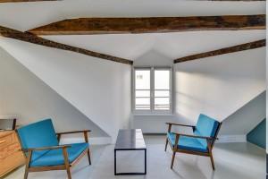16635-location-meublee-de-standing-au-mois-dun-loft-design-avec-ses-poutres-au-plafond-a-strasbourg-saint-denis-republique-paris-10eme