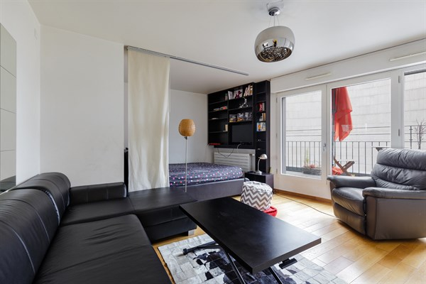 Bir Hakeim - Modern studio apartment with terrace and view of Eiffel ...