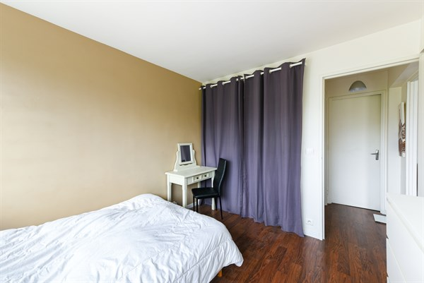 ... Romantic Getaway For 2 In Short Term Apartment Rental With Balcony At  Exelmans, ...