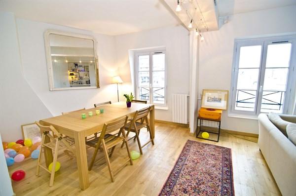 le triomphe charming apartment for 4 along avenue des ternes 17th district paris my paris. Black Bedroom Furniture Sets. Home Design Ideas