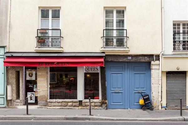 le saint jacques remodeled 323 sq ft studio apartment for 2 or 4 at rue saint jacques paris. Black Bedroom Furniture Sets. Home Design Ideas