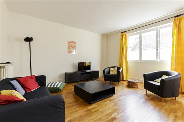Monthly Short Term Apartment Rental For Language Stays In Paris 16th, 2  Bedrooms, ...