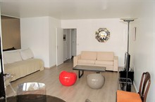 short term rental of a studio for 5 guests on rue de Sèvres Paris 6th