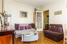 Fabulous weekly flat rental, furnished with 2-rooms in Daumesnil area, on rue du Docteur Goujon, Paris 12th