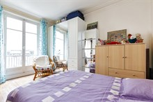 2-room furnished apartment for 2, monthly rental in a modern building in Daumesnil area, on rue du Docteur Goujon, Paris 12th