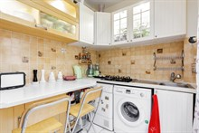 Weekly 2-room apartment rental for 2 in Daumesnil area, on rue du Docteur Goujon, Paris 12th