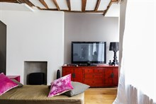 beautiful apartment to rent short term for 4 in the Marais Paris IV