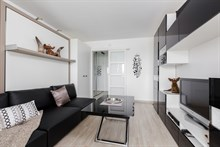 Weekly flat rental one to two, furnished, near Eiffel Tower, Paris 15th