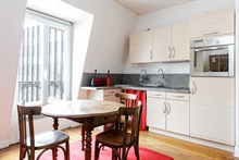 Weekly rental of spacious, furnished 2-room apartment in Reuilly Diderot quarter, near Saint Antoine hospital , Paris 12th