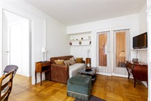 Weekly apartment rental, furnished with 1 bedroom, perfect for two near Porte Maillot on rue Pergolèse, Paris 16th