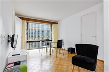 Weekly rental of spacious, furnished 2-room apartment rue du Commandante Mouchotte at Gaîté, Paris 14th
