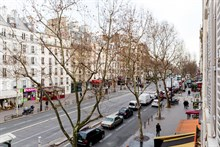 spacious apartment to rent short term sleeps 5 guests boulevard du Montparnasse Paris 14th