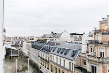 Temporary apartment rental, 2 bedrooms, perfect for 2 people near Champs Elysées in Triangle d'Or area, Paris 15th