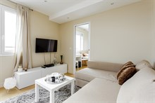 Short term rental of modern 2 room apartment for 2 to 4 with terrace Boulogne, Pont de Saint Cloud metro