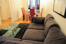 short term rental 2 bedroom apartment for 4 guests on Place de Mexico Paris XVI