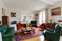 Family friendly 3 room apartment sleeps up to 6 in safe neighborhood, avenue Emile Zola Paris 15th