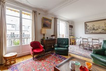 Romantic getaway in city of lights in luxury apartment near Eiffel Tower, Paris 15th