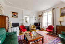 Long stay rental of apartment in Paris 15th w balcony, 2 bedrooms, sleeps 4