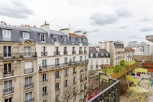 Luxury extended vacation getaway near shopping at Beaugrenelle mall in Paris 15th