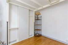 Spacious 3-room apartment comfortably sleeps four, Plaisance Paris 14th, Short-term lodging