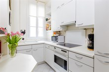 Vacation rental for 4 to 6 people, 2 bedroom apartment, near Butte Montmartre, Paris 18th