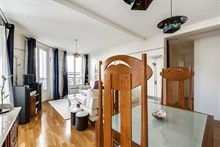 Modern, artistically decorated apartment in Paris 18th for 2 or 4 people, 2 bedrooms, short term rent, long term rent