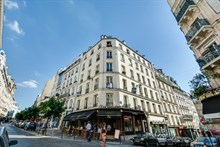 Traditional Parisian short term apartment rental with 2 bedrooms sleeps 4 on rue Artistide Bruant, Abbesses, Paris 18th