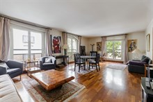 Authentic Parisian 2 bedroom apartment for business stays in Paris 16th near Trocadero, monthly stays