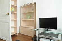 furnished apartment to rent weekly sleeps 4 guests rue Hallé Paris XIV
