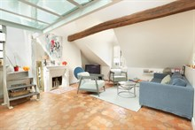 Luxury apartment duplex for 2 adults and 1 child near Arc de Triomphe in Paris 17th district