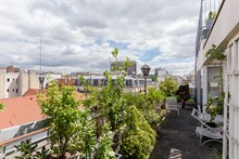 Modern apartment rental available by the week with terrace, comfortable for 2 people at Nation Paris 11th arrondissement