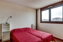 Long or short term rental of 3 room apartment with balcony and beautiful city view for 4 to 6 people at Saint Ouen, near Paris