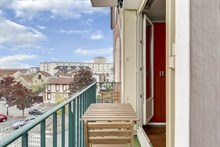 3 bedroom flat for holiday rental w/ balcony, for 4 to 5 people, short term, near Paris at la Garenne-Colombes