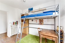 Vacation rental of 3 bedroom apartment w/ balcony, for 4 to 5 people, short term, near Paris at la Garenne-Colombes