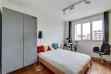 Modern family apartment for 5 people, 3 bedrooms, balcony near Saint-Lazare at la Garenne-Colombes