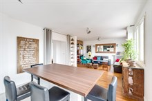 Spacious family-friendly apartment for rent for short term, balcony, 3 bedrooms, sleeps up to 5 guests, near Paris Saint-Lazare at la Garenne-Colombes