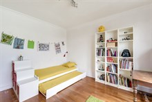 Luxury apartment for short term rental near la Défense, balcony, sleeps up to 5 people at la Garenne-Colombes
