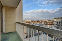 Monthly furnished rental two bedroom with terrace just around the corner from metro line 13 in Saint-Ouen