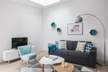 Furnished rental two bedroom permitting brief rental period with large terrace in Charles Michels Paris fifteenth district
