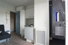 Seasonal rental of a renovated, furnished studio Paris 17e