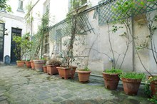 Furnished double short term rental 6 to 9 people Marais Paris