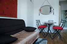 short term rental apartment for 4 guests in Golden Triangle Paris 11th district