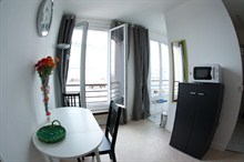 seasonal rental apartment for 5 guests in Montmarte opposite Sacré Coeur Paris 18th