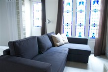elegant studio apartment to rent seasonally for 4 guests on rue du Temple in Le Marais Paris III