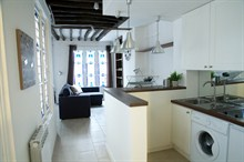 seasonal studio rental in the Marais for 4 guests rue du Temple Paris III