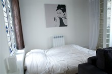elegant studio apartment to rent for 4 guests in the heart of the Marais Paris 3rd district